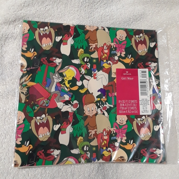 Vintage Looney tunes 2 sheets gift wrap